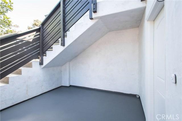 229 W El Portal, San Clemente CA: http://media.crmls.org/medias/8b32aea7-61ad-4d1d-8148-3fa63ee481f4.jpg
