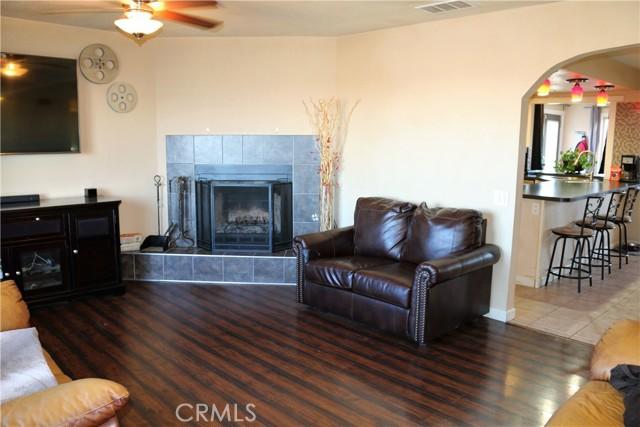 13215 Seneca Road Victorville CA 92392