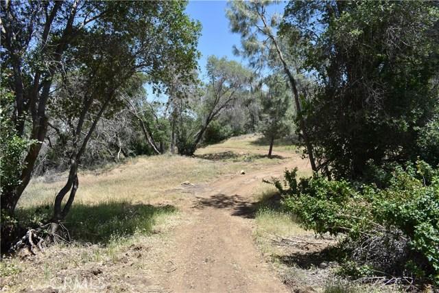 80 Lookout Mountain Road, Mariposa CA: http://media.crmls.org/medias/8b46ada7-f3bf-438c-9f97-918325002107.jpg