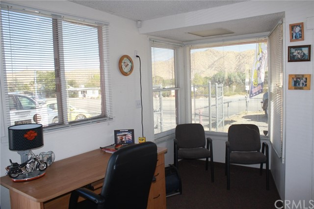 49896 29 PALMS Highway, Morongo Valley CA: http://media.crmls.org/medias/8b5af1fe-9194-4652-b3ef-07616f832fe3.jpg