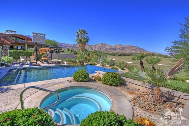 428 Morning Dove, Palm Desert CA: http://media.crmls.org/medias/8b690412-8f17-407f-bfe2-5393b7dd16f9.jpg