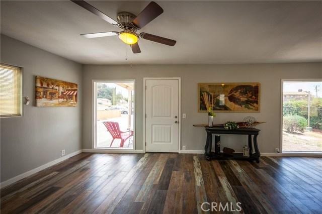 1025 BEAUMONT Avenue, Beaumont CA: http://media.crmls.org/medias/8b7abe28-4635-46b2-98fa-38919db94581.jpg