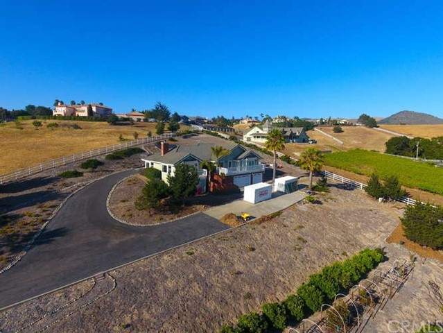 2720  Hawk View Court, Arroyo Grande, California