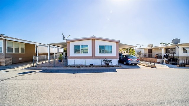 Detail Gallery Image 1 of 34 For 16860 Slover Ave #38,  Fontana,  CA 92337 - 2 Beds | 2 Baths