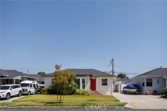 6017 Eberle Street, Lakewood CA: http://media.crmls.org/medias/8b8ff4be-0380-47ca-80ae-eb376234d9b3.jpg