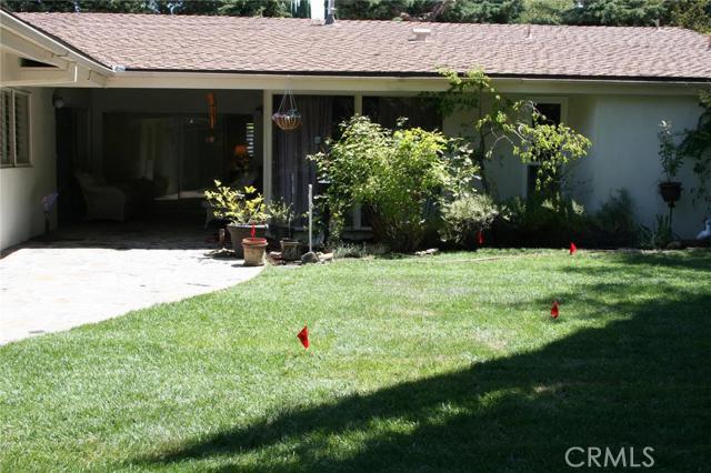 Single Family Home for Sale at 4510 La Barca Place Tarzana, California 91356 United States