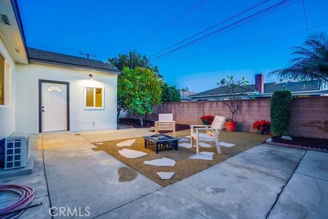 10412 Hopland Street, Bellflower CA: http://media.crmls.org/medias/8b97b362-4386-496f-8b93-673d795b7481.jpg