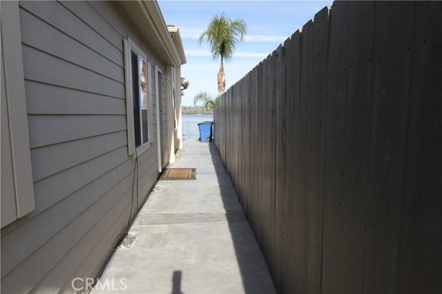 15980 Grand Avenue, Lake Elsinore CA: http://media.crmls.org/medias/8b9b15c8-b570-4604-a853-3e538071896c.jpg