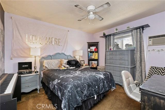 607 6th Street, Norco CA: http://media.crmls.org/medias/8b9df835-2125-409a-bda8-650b1bed1904.jpg
