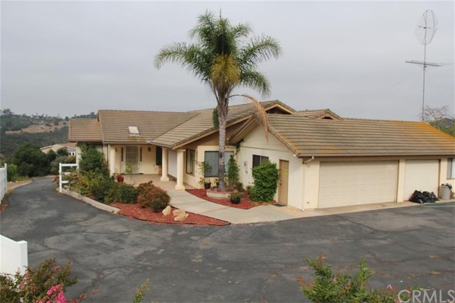 Single Family Home for Sale at 30419 Sagewood Road 30419 Sagewood Road Vista, California 92084 United States