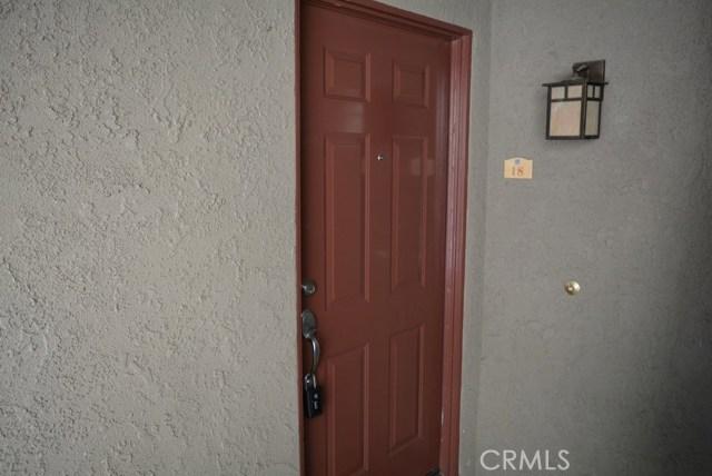 200 E Alessandro Boulevard, Riverside CA: http://media.crmls.org/medias/8ba1e974-663f-4f96-b4cd-3c4f547e5cbe.jpg