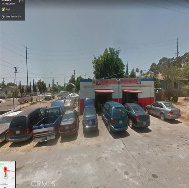 212 Evans Street, San Diego CA: http://media.crmls.org/medias/8ba8f64e-96b3-49bb-8bb1-599342f52244.jpg