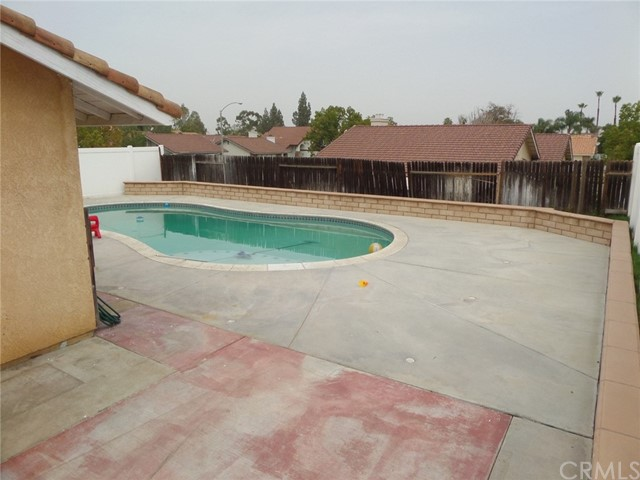 8441 Mimosa Tree Court, Riverside CA: http://media.crmls.org/medias/8bba8111-b4d3-4456-a860-74fa5e28ee28.jpg