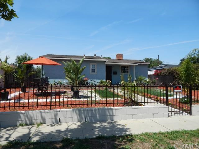 1923  West 18th Street   , CA 92706 is listed for sale as MLS Listing PW15162477