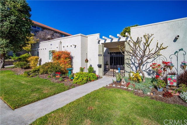 2346  Via Mariposa, Laguna Woods, California