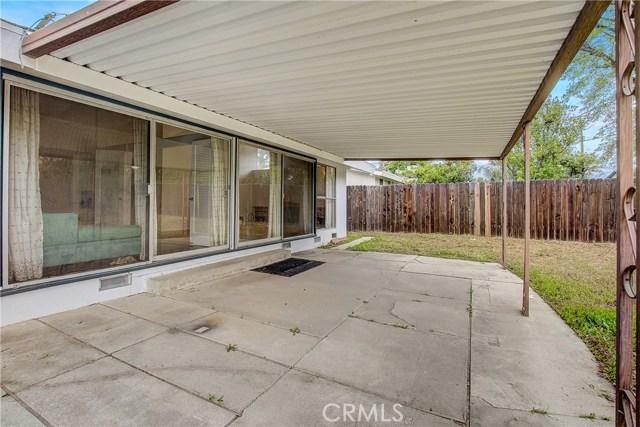 10000 Encino Avenue, Northridge CA: http://media.crmls.org/medias/8bd10c30-d8ab-4cb8-a600-ffa5c7be4475.jpg