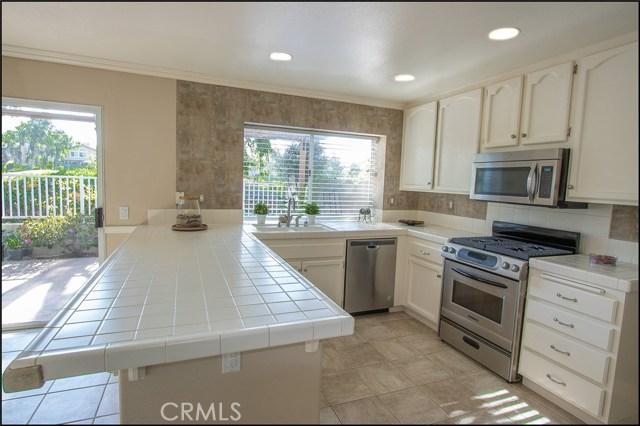 12 Cascada, Rancho Santa Margarita CA: http://media.crmls.org/medias/8bde657b-7d8b-452a-9be8-cd926361b0fd.jpg