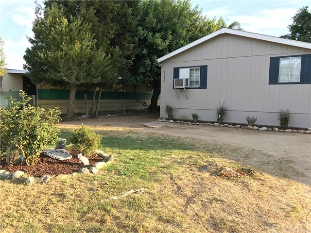 21595 Pecan Street, Wildomar CA: http://media.crmls.org/medias/8be304bf-2f5f-4196-a2fd-8ee82363af91.jpg