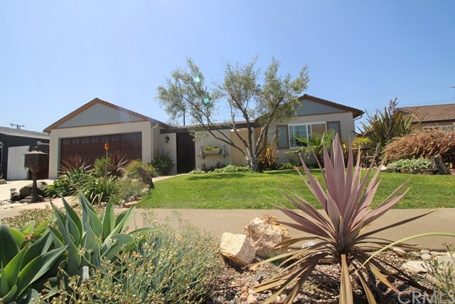 5532 Tangiers Drive, Huntington Beach CA: http://media.crmls.org/medias/8be40d5b-362a-4bdc-b617-91b6efbcafd4.jpg