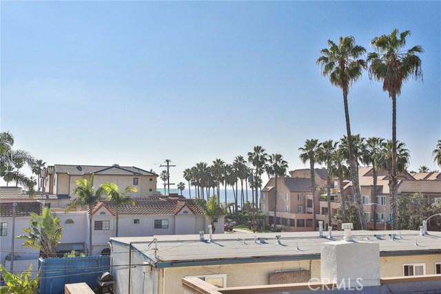 210 12th Street, Huntington Beach CA: http://media.crmls.org/medias/8bf0509a-64cd-408d-8230-c7decb5ad143.jpg