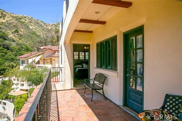 341 Camino Del Monte, Avalon CA: http://media.crmls.org/medias/8bf2cf5b-7585-40b4-b923-79361e913c1f.jpg