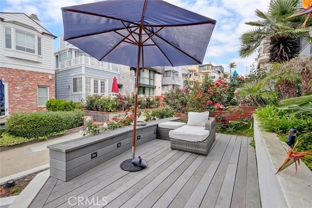 132 17th St, Manhattan Beach, CA 90266 photo 2