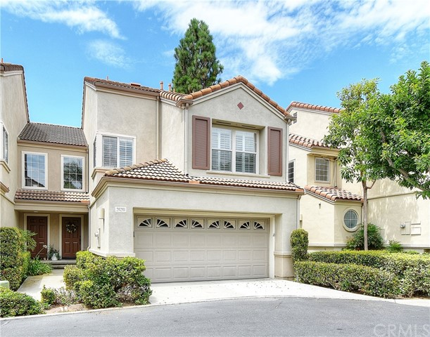 Photo 2 for Listing #OC17178285