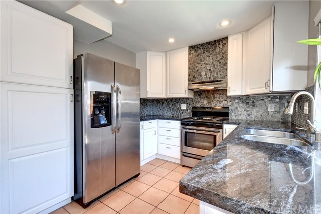 2151 W Banbury Circle Anaheim, CA 92804 is listed for sale as MLS Listing OC17115387