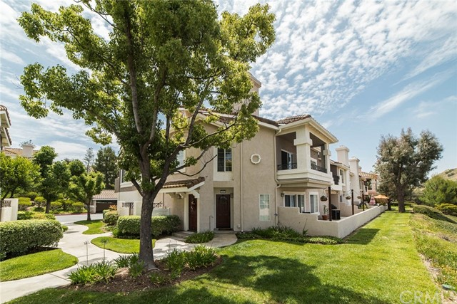 1045 S Rising Sun Court, Anaheim Hills, CA 92808