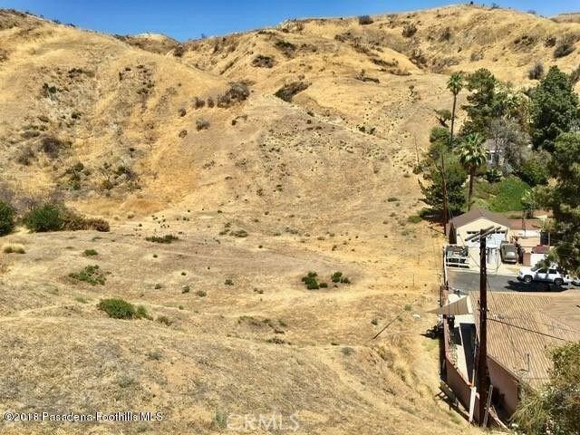 0 Above Petaluma, Sun Valley CA: http://media.crmls.org/medias/8c143089-3155-4026-bf83-93232cdede3f.jpg