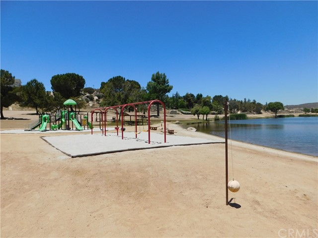 40725 Brook Trails Way, Aguanga CA: http://media.crmls.org/medias/8c1a7013-687d-44ba-86e5-1004e32e3c25.jpg