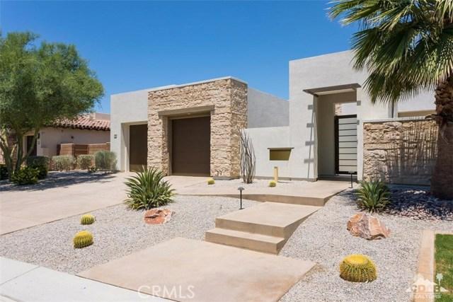 16 Sapphire Lane, Rancho Mirage CA: http://media.crmls.org/medias/8c1ac4bf-607c-4f4c-b1fe-57d5b59ab576.jpg