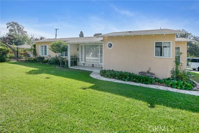 5402 Ben Alder Avenue, Whittier CA: http://media.crmls.org/medias/8c1e2417-add9-4b3a-b3ee-d0bf0a5f7834.jpg