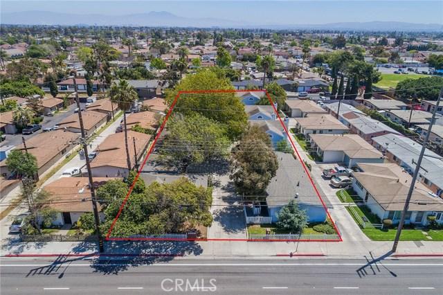 Costa Mesa                                                                      , CA - $2,700,000