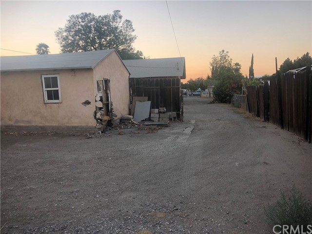 950 Beverly Road, Corona CA: http://media.crmls.org/medias/8c22df51-0e30-4433-9fa0-623c23e7262f.jpg