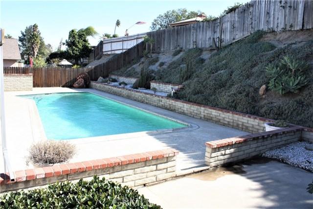 5980 Kitty Hawk Drive, Riverside CA: http://media.crmls.org/medias/8c32fa86-d7e6-4c4b-b3df-7ea705506a6c.jpg
