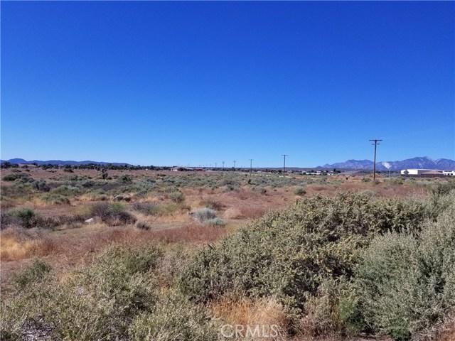 101 PHELAN Road, Phelan CA: http://media.crmls.org/medias/8c33b37b-884b-496f-a5c3-ef8d2ab645e6.jpg
