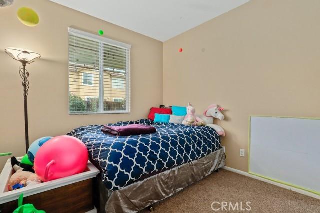 21 Nutwood Avenue, Beaumont CA: http://media.crmls.org/medias/8c40028f-4b18-484e-809f-86b6c35bdc3b.jpg