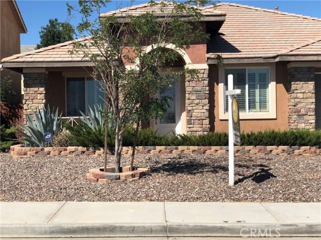 14968 Onyx Road, Victorville CA: http://media.crmls.org/medias/8c55743d-cdb4-464a-9c5b-741f45335b25.jpg