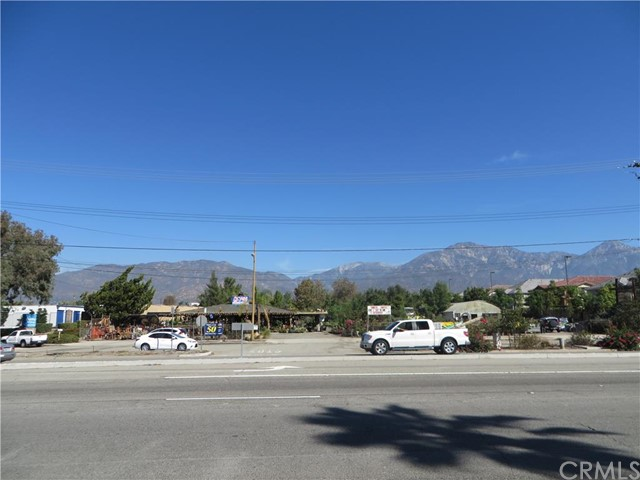 Additional photo for property listing at 1549 Foothill Boulevard W  Upland, California 91786 United States