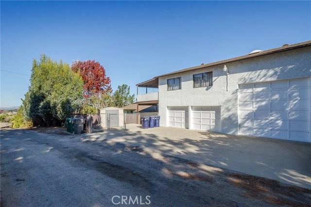 570 Raymond Avenue, Santa Maria CA: http://media.crmls.org/medias/8c6f7449-c371-4adf-ab0c-9029404ac2d1.jpg