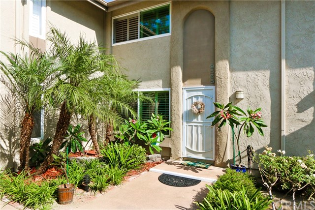 9565 Bickley Drive 5 , CA 92646 is listed for sale as MLS Listing OC18206807