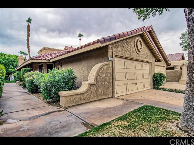 41589 Woodhaven Drive Palm Desert, CA 92211 is listed for sale as MLS Listing SW16145203