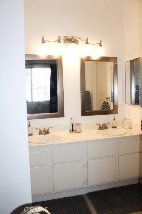 752 View Lane, Corona CA: http://media.crmls.org/medias/8c8b72d2-6afa-4cab-988a-02bb7a31aa69.jpg