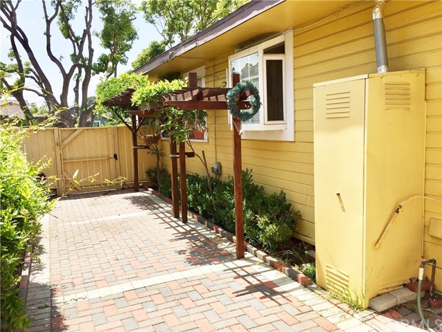 2212 Gramercy Avenue Torrance, CA 90501 - MLS #: SB17095586