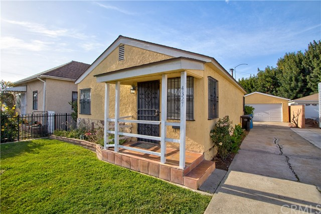 Detail Gallery Image 1 of 1 For 4327 W 163rd St, Lawndale,  CA 90260 - 2 Beds   1 Baths