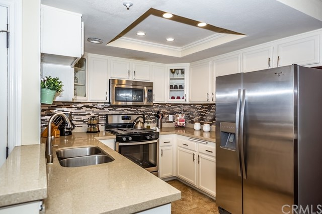 121 S Lakeview Avenue, Placentia, California