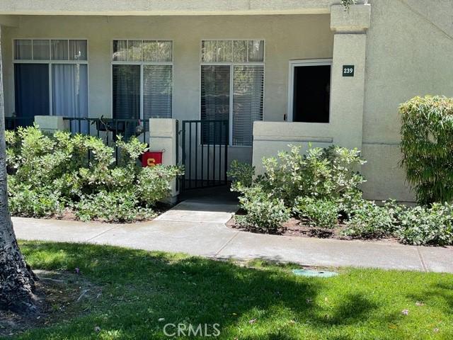 239 Cinnamon Teal, Aliso Viejo CA: http://media.crmls.org/medias/8ca562ae-0d63-45b9-aca8-1d4d9c5382b7.jpg