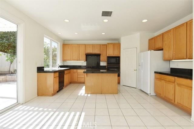 1308 Golden Coast Lane, Rowland Heights CA: http://media.crmls.org/medias/8cb0c41a-4c22-4356-8664-e313616ca313.jpg
