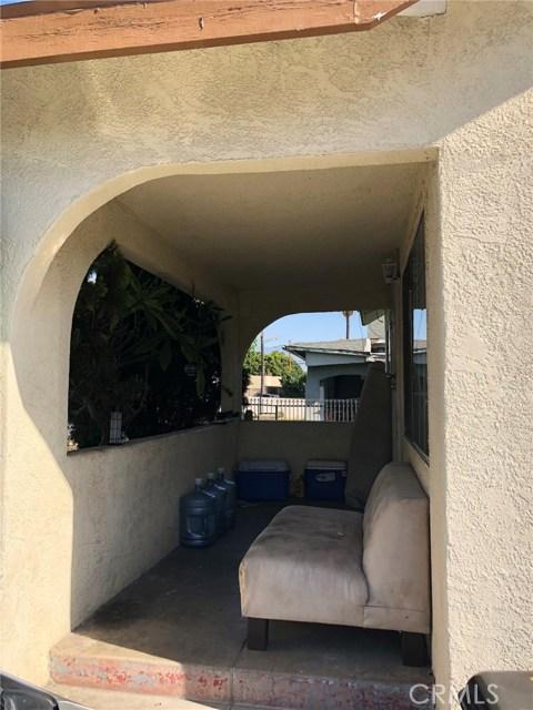 2326 Granada Avenue, South El Monte CA: http://media.crmls.org/medias/8cba1df6-647f-45e1-961b-52856c9e570c.jpg